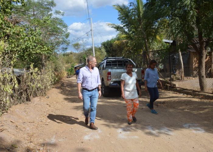 3 Steve walking with community members_Rio Abajo